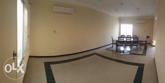 3 Bedrooms Villa in Gharafa For Rent