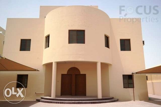 10room residential villa suitable for femal staff or multiple family