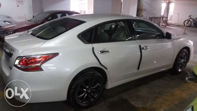 NISSAN ALTIMA 2.5S 2015 Model in brand new Condition. Run only 2300 km