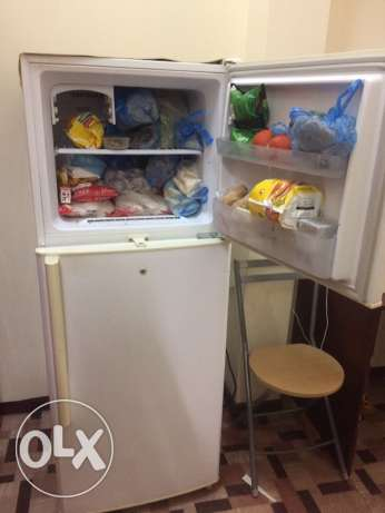 Samsung Refrigerator Two door very good condition QR 800only