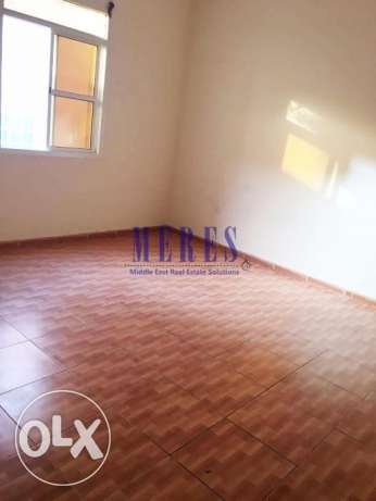 1 Bedroom Unfurnished Flat in Al Rawda