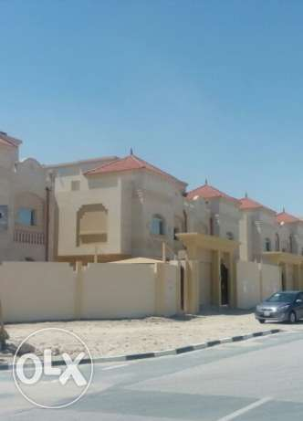 new 5 villas in gharafa for one hand