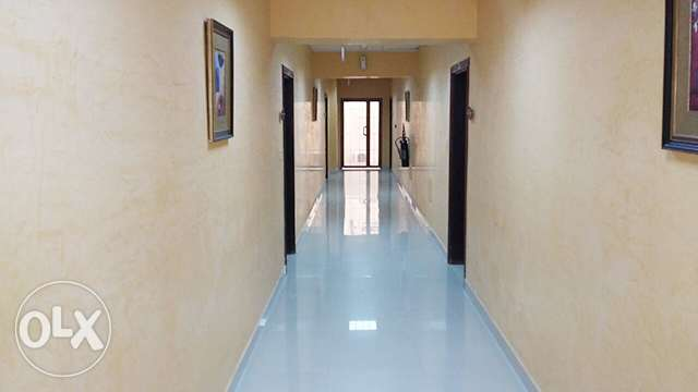Fully-Furnished 2-Bedroom Apartment in Al Sadd السد -  4