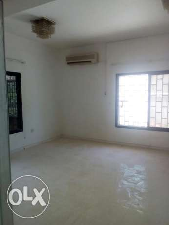 2bhk uf Villa in oldairport for Asian philippino family