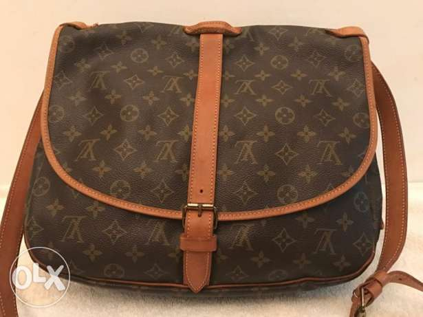 Authentic Louis Vuitton Saumur 35 Messenger bag (unisex)