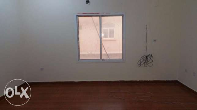 UNF 1-bhk part of villa for rent in abu hamour أبو هامور -  2