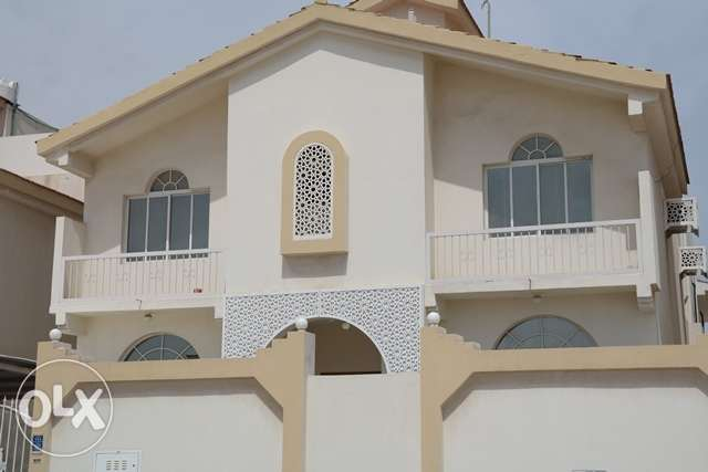 10room commercial villa with pent house