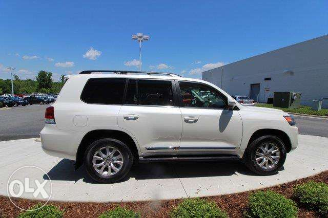 2016 Toyota Land Cruiser