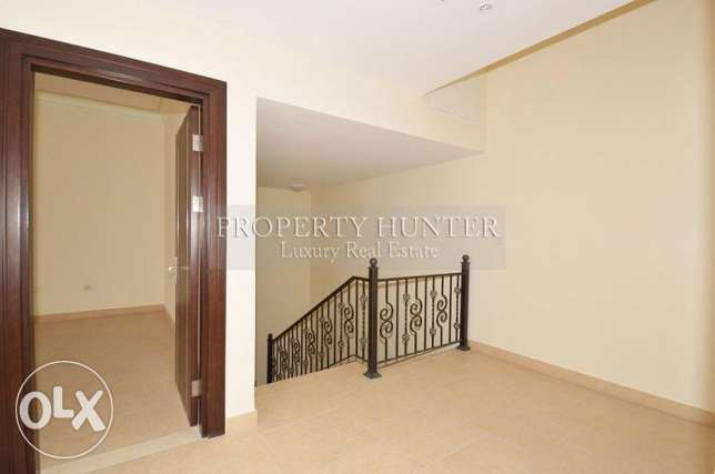 Two bedrooms massive townhouse with nice views الؤلؤة -قطر -  7