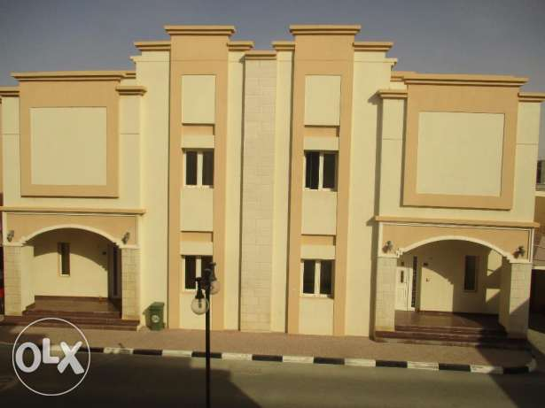 4 BR compound villa in Muraikh
