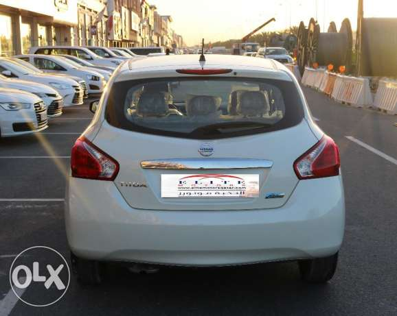 Nissan Tiida - WHITE Model 2016