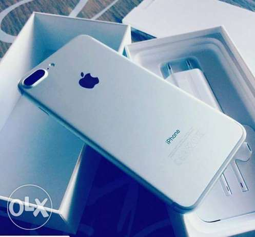 I phone 7 plus 256 GB brand new not used came from australlia