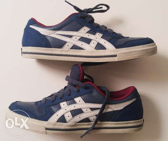 ASICS snickers size 39 almost new Blue (my size is usually 38)