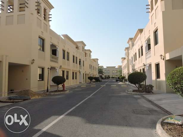 ONE MONTH FREE+ Semi furnished Villas near Aspire (5+Maid)