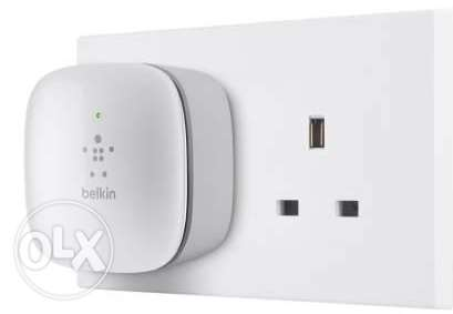 Belkin WiFi N300 Range Extender 2.4GHz band–up to 5000 sq ft/460 sq