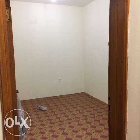 2 bhk unfurnished villa in old airport for family المطار القديم -  3