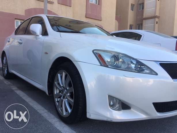 Mint condition,Lexus with low mileage, it comes with nice number plate too.. النعيجة -  1
