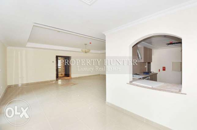 Extravagant 2 Bed Home with Marina views