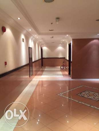 Luxury SF 2-Bhk Apartment in AL Sadd - Pool السد -  3