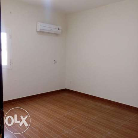 Unfurnished 3-Bedrooms Apartment in AL Nasr النصر -  1