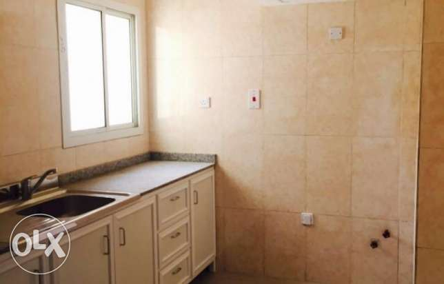 2 bhk unfurnished flat in Doha for bachellors قلب الدوحة -  3