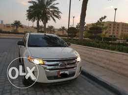 Ford Edge 2013 Almost brand new Under warranty !!!