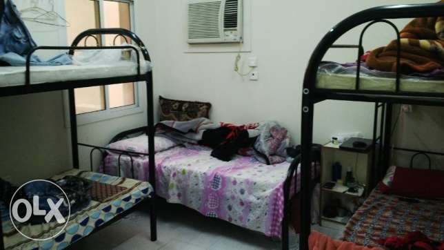4 Bed space available for Hyderabadi only