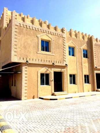 for executive bachelors..5 bedroom unfurnished compound villa at al w