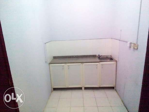 Unfurnished 1-B/R & Studio-type Villa Apartment in Gharrafa الغرافة -  3