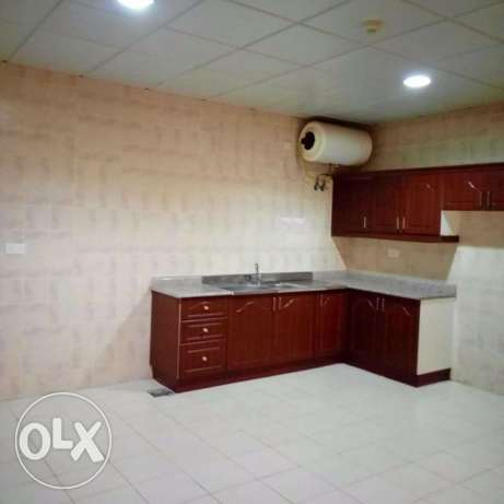 HUGE 3-Bhk Flat in AL Nasr +Gym+Pool النصر -  3