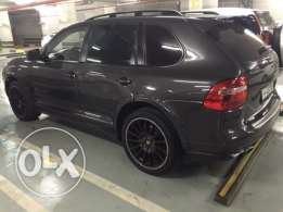 2010 Porsche Cayenne (Porsche Design Edition 3) in perfect condition