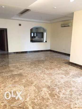 Semi Furnished 4-BHK Compound Villa in West Bay الخليج الغربي -  3