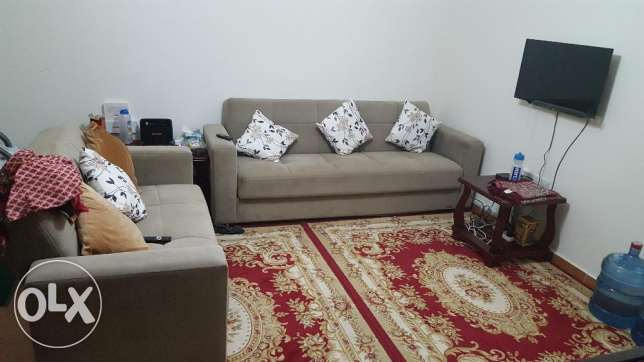 one bed room flat in ezdan avaliable for three months till ending july