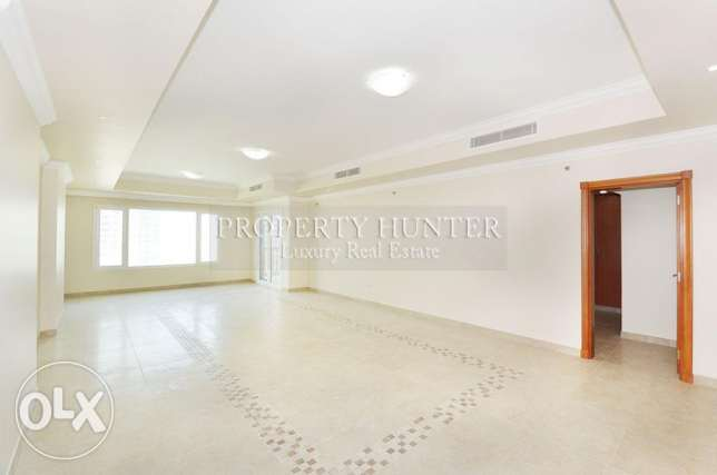 Amazing 1 Bed with Magnificent Sea View