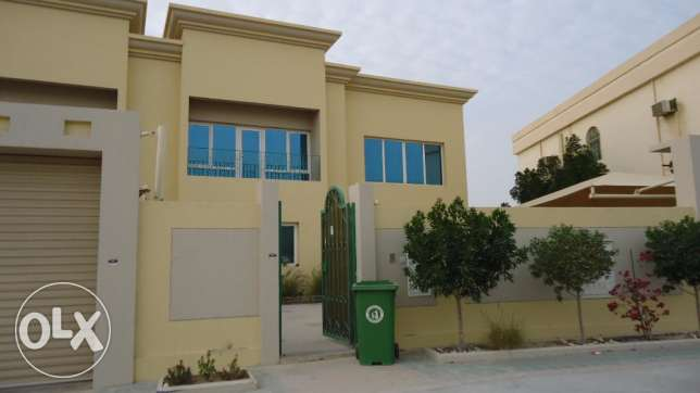 Standalone villa in Duhail semi furnished
