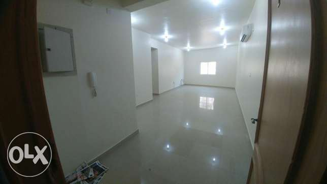 2Bedrooms Unfurnished Apartment For Rent In Al Nasr