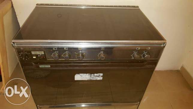 For sale cooking range Qr.400