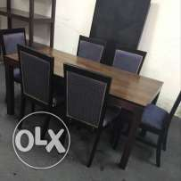 Selling Dining Table With 6 Cheer