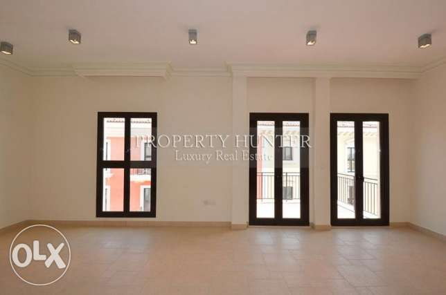 3 BR home in Qanat Quartier +Water views