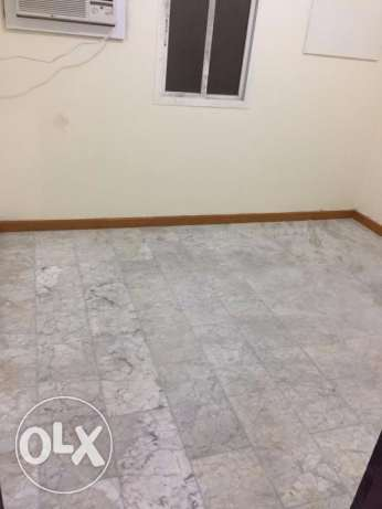 02bed room Apartment for Bachelors Rowda W&E included FOR RENT#