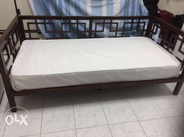 Day bed (Home Center) with mattress for sale