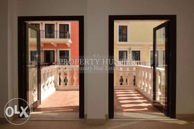 3 Bedrooms Elegant apartment with colorful views الؤلؤة -قطر -  1