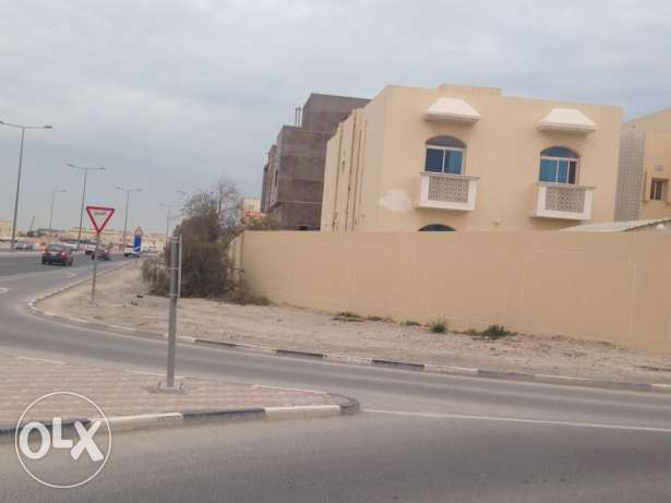 semi commercial villa in abu hamour