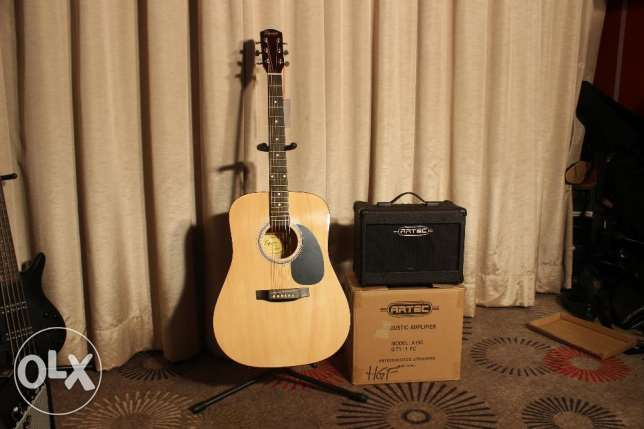 Acoustic Guitar Amplifier. Brand new!! On the box!! Lowest Price!
