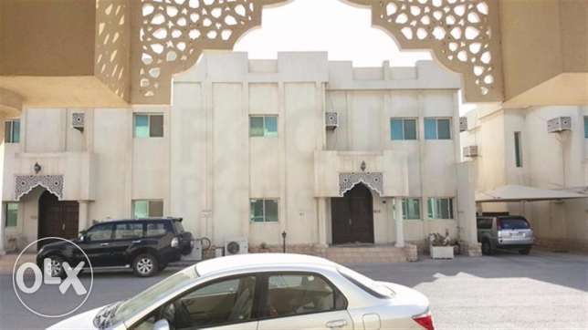 Spacious 4BHK Unfurnished Compound Villa At Old Airport