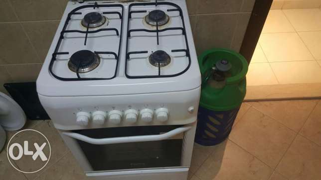 gas oven with big gas cylinder
