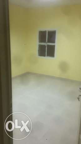 Nice 1bhk in garafa rent 3500 including kharama