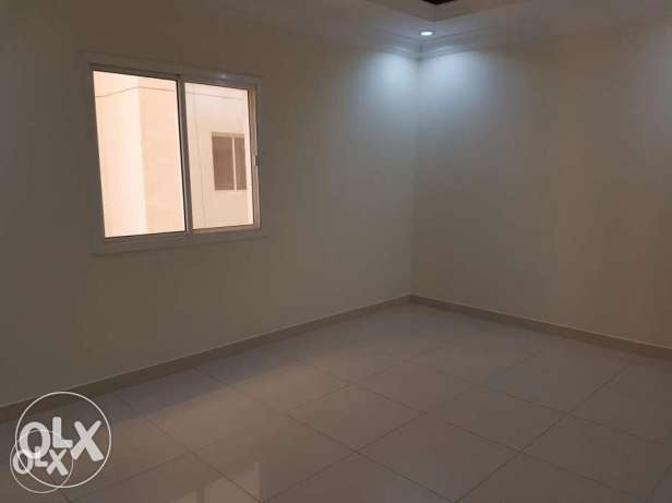 Unfurnished 2-BEDROOMS Apartment in AL Sadd السد -  7
