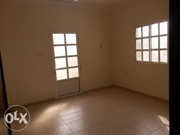 flat for rent in madinat Khalifa South 3bedrooms with A/C With month f