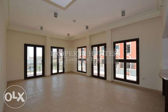 3 bedrooms Superb apartment الؤلؤة -قطر -  2